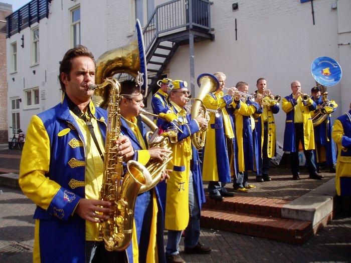 De Kwelpiepers tijdens de Marathon Eindhoven 2006